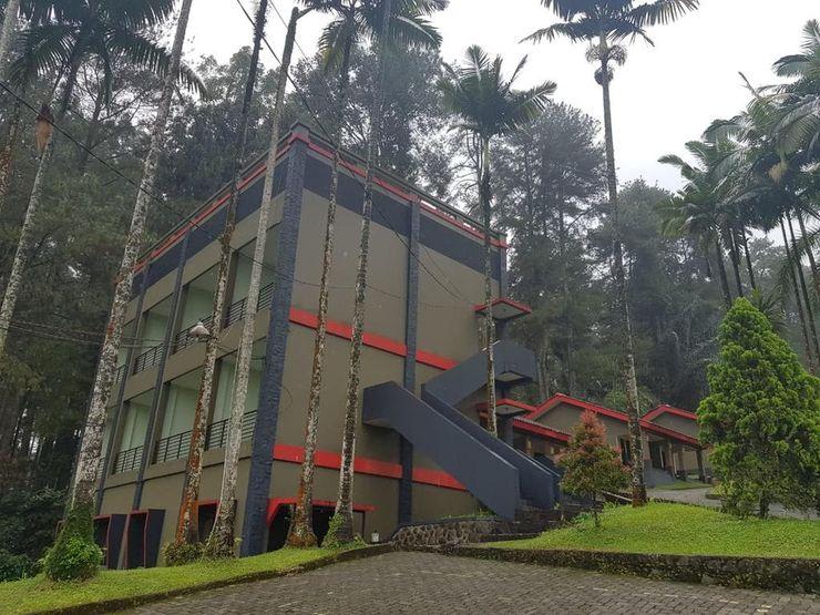 Surya Hotel &  Resort Baturraden Banyumas - Facade