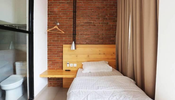 Urbana Homes Jakarta - Deluxe Room