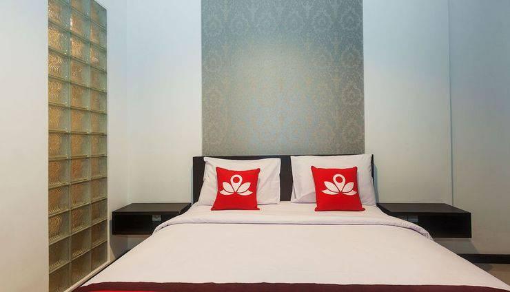 ZenRooms Kedonganan Batur Sari Bali - Tampak tempat tidur double