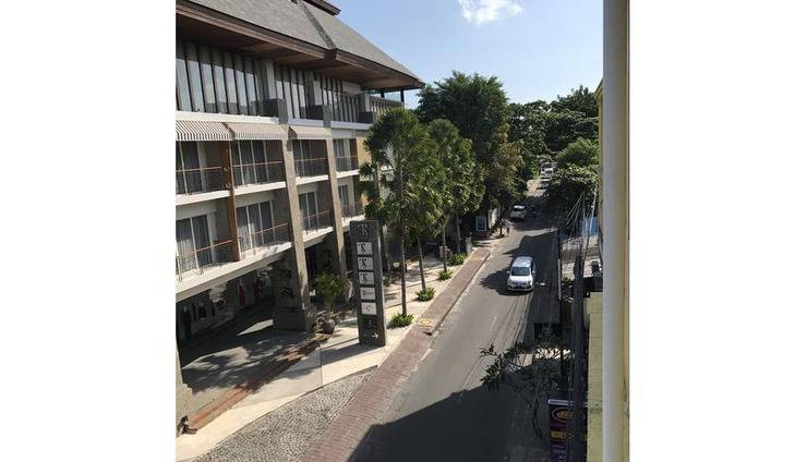 Hotel La Costa Central Bali - Exterior