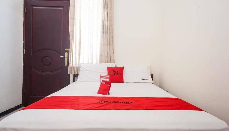RedDoorz @ Raya Ngagel 2 Surabaya - Guest room
