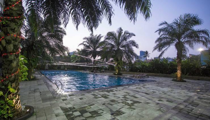 RedDoorz Apartment @Mutiara Bekasi Jakarta - Kolam Renang