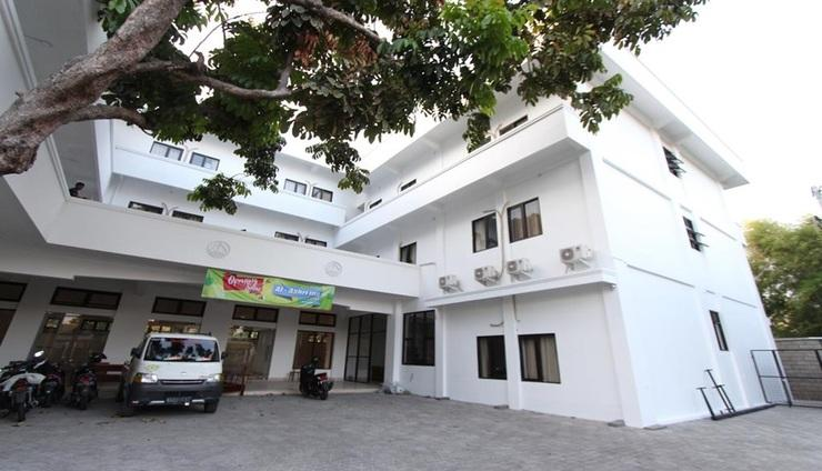 Al-Ashri Inn by Urban Yogyakarta - Exterior