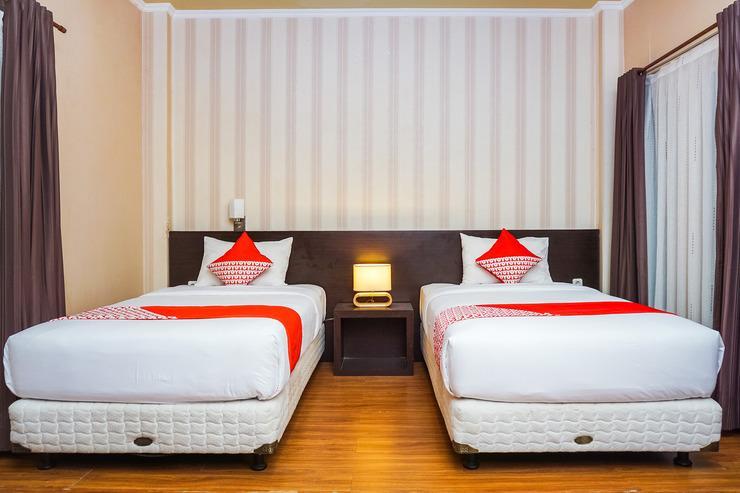 OYO 489 Hotel Triza Pesisir Selatan - Bedroom