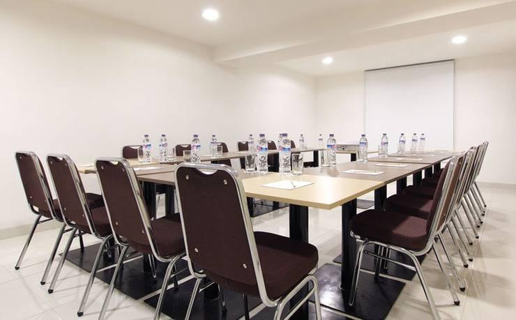 Amaris Mangga Besar - Ruang Meeting