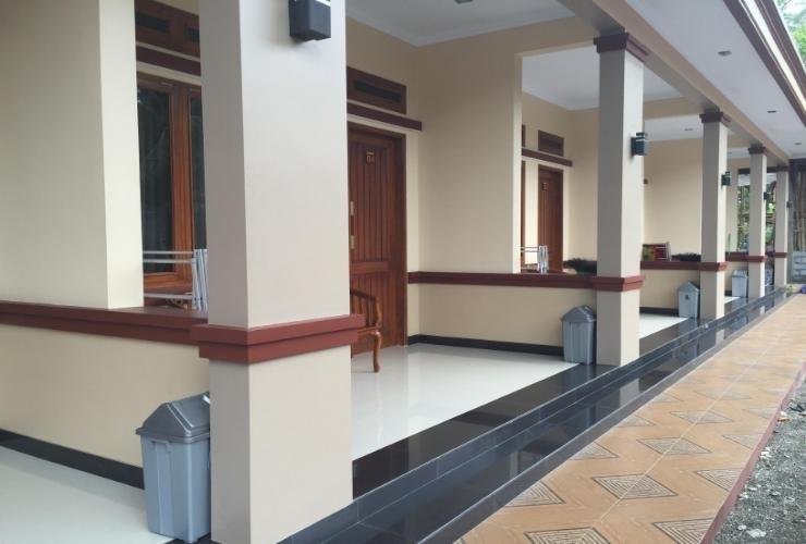 Hotel Pondok Rivana Batukaras Pangandaran - Exterior