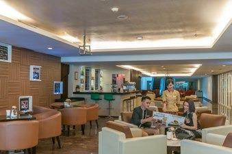 Claro Hotel Kendari - Carita Lounge