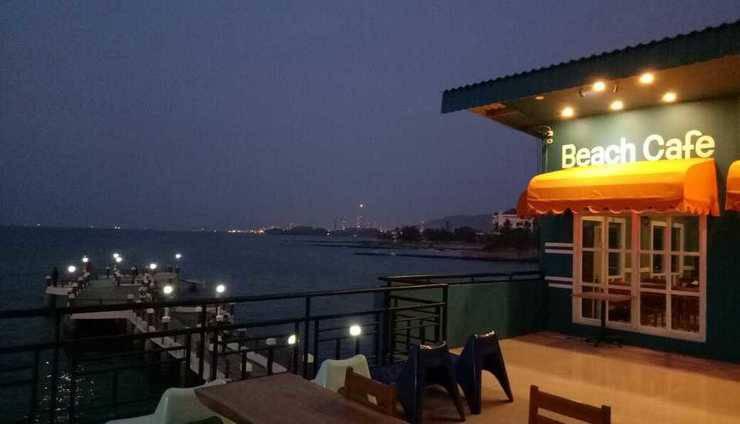 Allisa Resort Anyer - Cafe Depan Laut