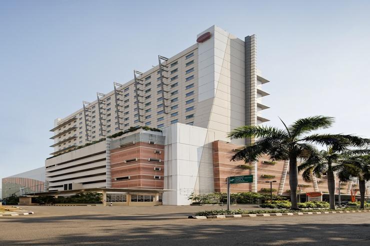 Hotel HARRIS Kelapa Gading - Hotel Building