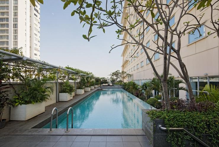 Hotel HARRIS Kelapa Gading - Kolam Renang