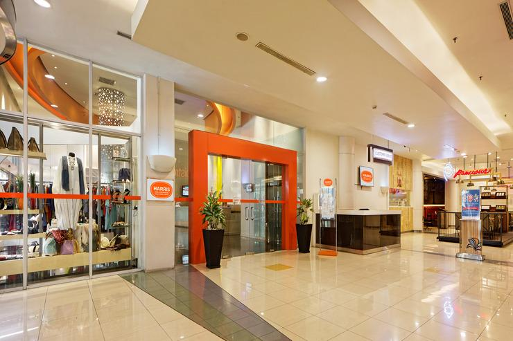 Hotel HARRIS Kelapa Gading - Entrance