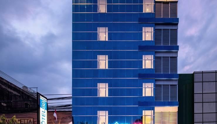 Hotel 88 Mangga Besar Jakarta - Building