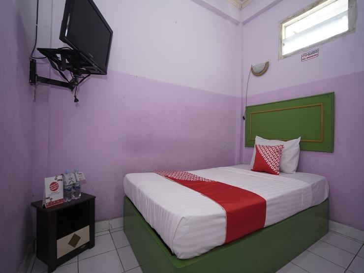 OYO 1441 Hotel Dempo Permai Lubuklinggau - Bedroom S/S