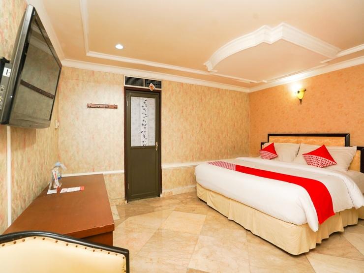 OYO 1449 Istana Permata Dinoyo Surabaya - Bedroom S/D