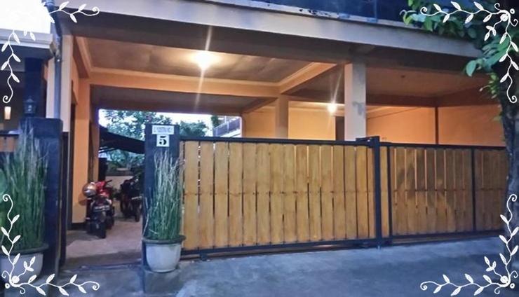 Puji Homestay Mataram Lombok - Facade