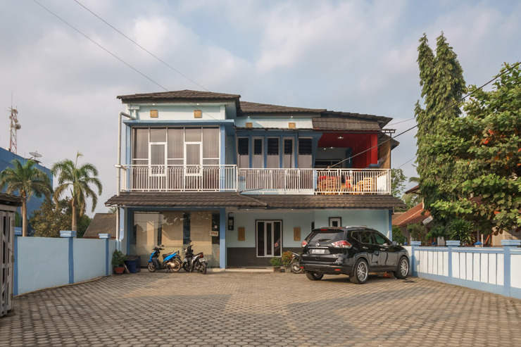 King Suite Hotel Bengkulu - building