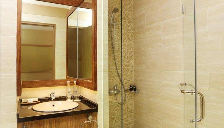 Rivavi Kuta Beach Hotel Bali - Silver Superior Bath