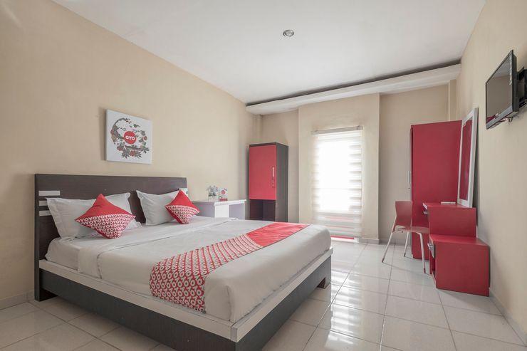 OYO 1075 Rumah Indah Losari Inn Makassar - Bedroom