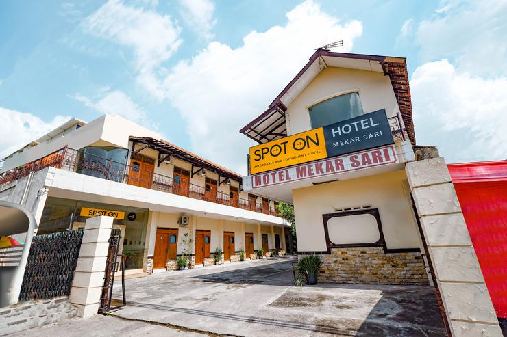 SPOT ON 2011 Hotel Mekar Sari Solo - Facade