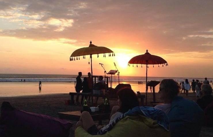 Budhastay Bali - matahari terbenam