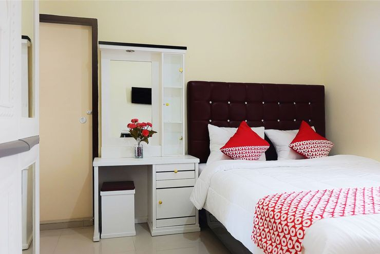 OYO 1126 Trio R Kost Syariah Jambi - Bedroom