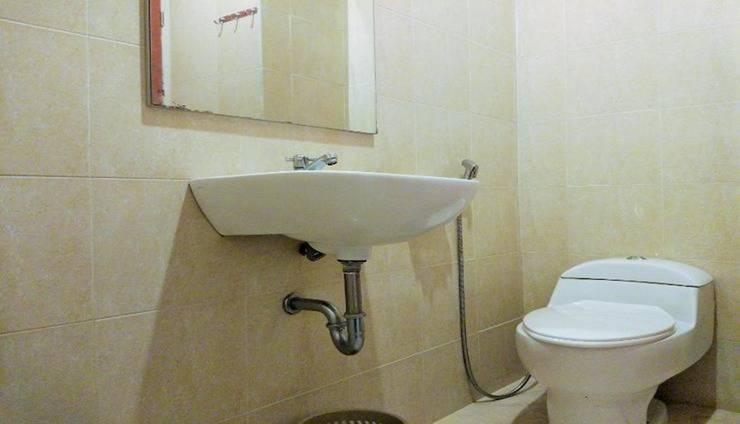 Minak Jinggo Hotel Banyuwangi - Bathroom Deluxe Suite
