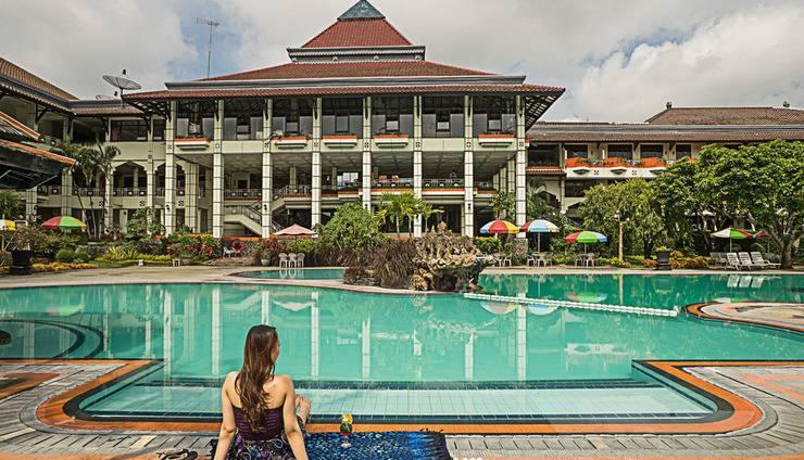 Royal Orchids Garden Hotel Malang - Kolam Renang