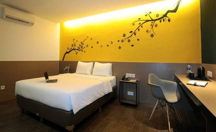 Yellow Bee Hotel Tangerang - Guest rooms