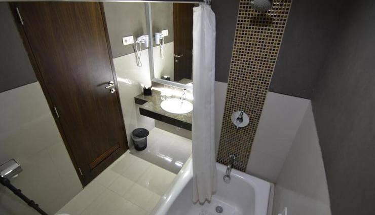 Hotel Horison Pekalongan - Bathroom