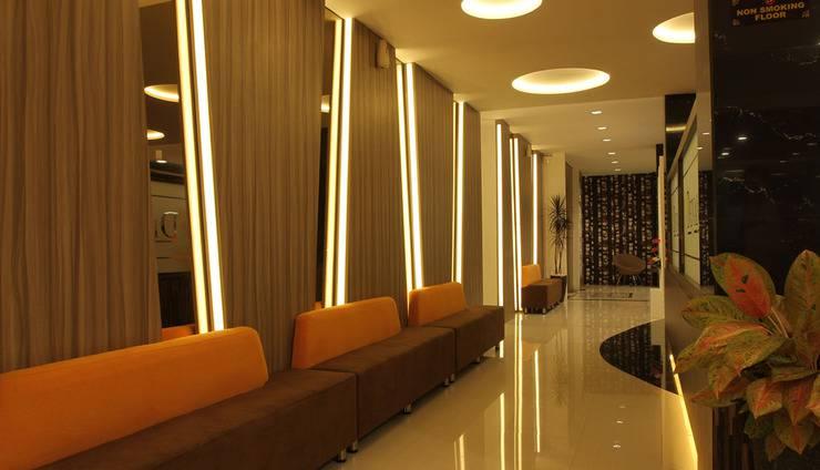 Deivan Hotel Padang - Lobi