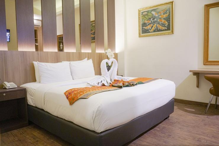 Deivan Hotel Padang - Superior King Size Bed
