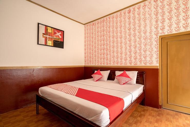 OYO 211 Seruni Guest House Bandung - Bedroom