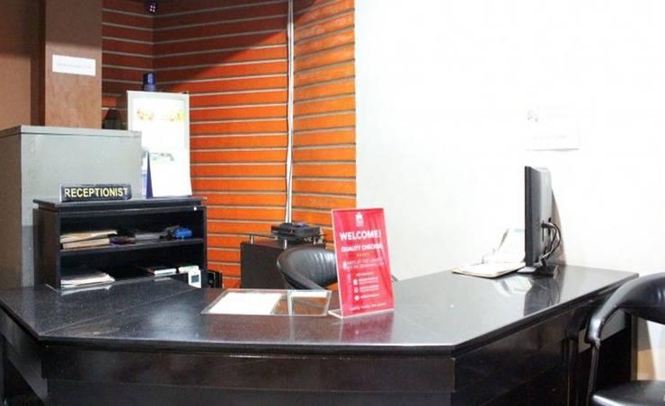 ZenRooms Near Mangga Besar 6 Utara Jakarta - Resepsionis