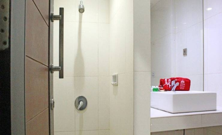 ZenRooms Near Mangga Besar 6 Utara Jakarta - Kamar mandi