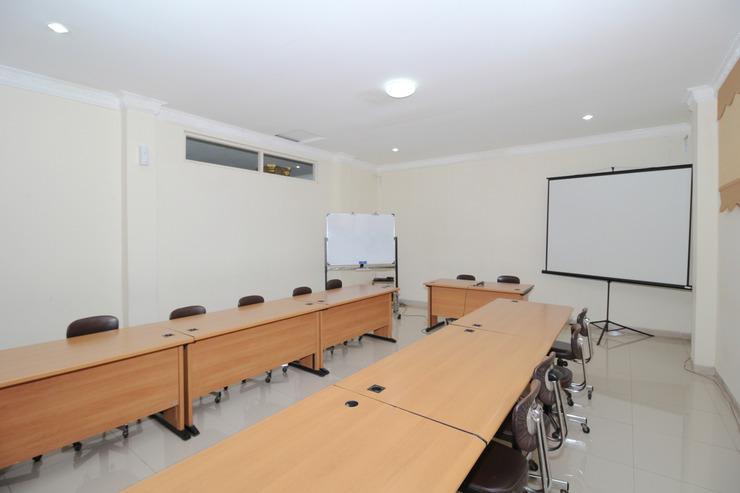 Airy Syariah Pelajar Pejuang 45 Bandung - Meeting Room