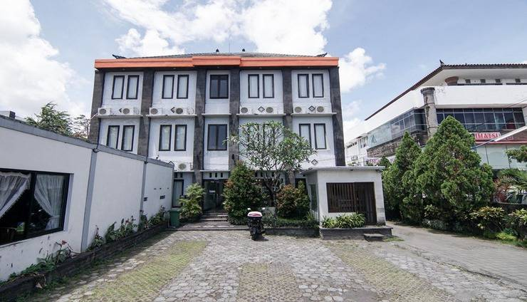 Warta Dua Bali - Exterior