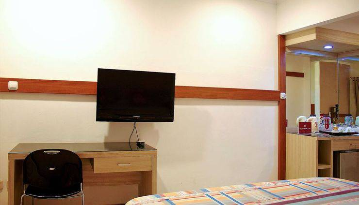 ZEN Rooms Dumeling Bogor - TV