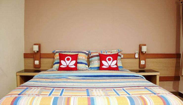 ZEN Rooms Dumeling Bogor - tempat tidur