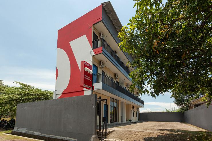 OYO 588 Richmond Guest House Cirebon - Facade