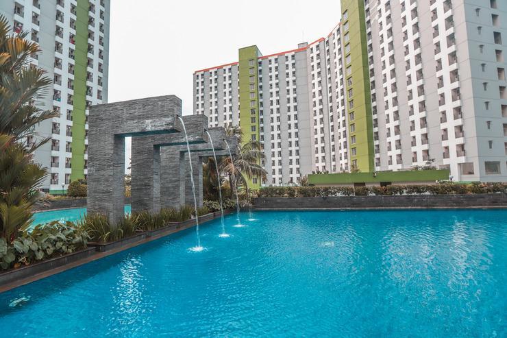 OYO 498 Green Lake View Ciputat Tangerang Selatan - Swimming pool