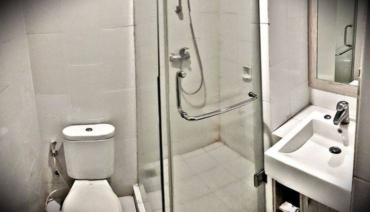 Hotel N3 Jakarta - Bathroom