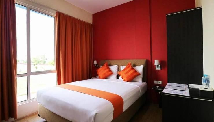 Blitz Hotel Batam - Blitz
