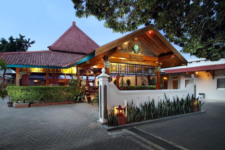 Cakra Kusuma Hotel Yogyakarta - Restaurant