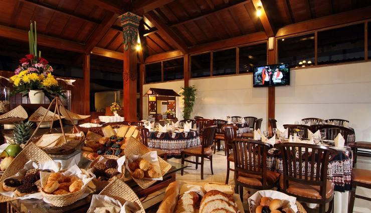 Cakra Kusuma Hotel Yogyakarta - Restoran Joglo Bugenvil