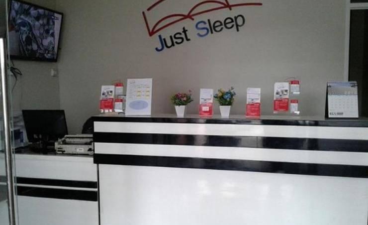 Just Sleep Guest House Samarinda - Resepsionis