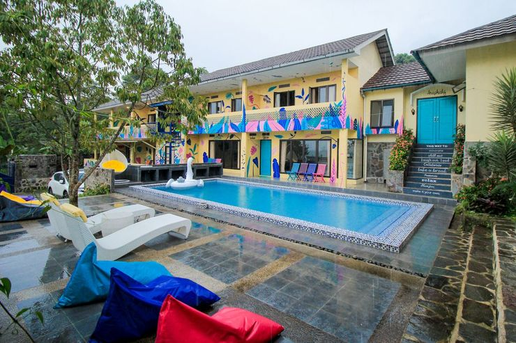 d'Oasis Mountain Resort Puncak - Pool Double Storey 01