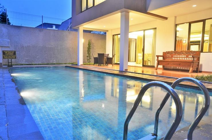 3 BR With Pool Villa Dago City Views Bandung - Kolam Renang