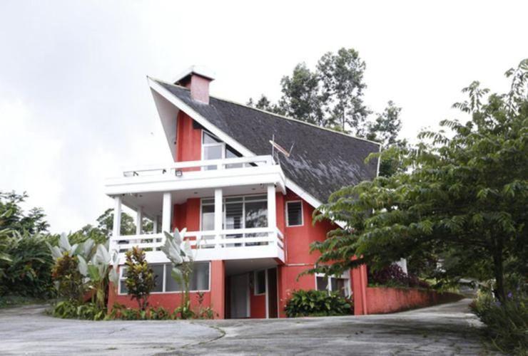 Villa Alam Indah By Anhra Puncak - exterior