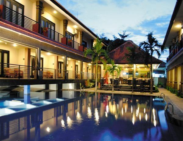Taman Tirtha Ayu Pool & Mansion Bali - Kolam Renang