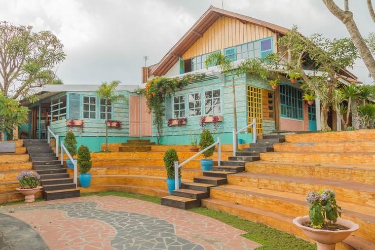 RedDoorz near Kampung Gajah 2 Bandung - Exterior